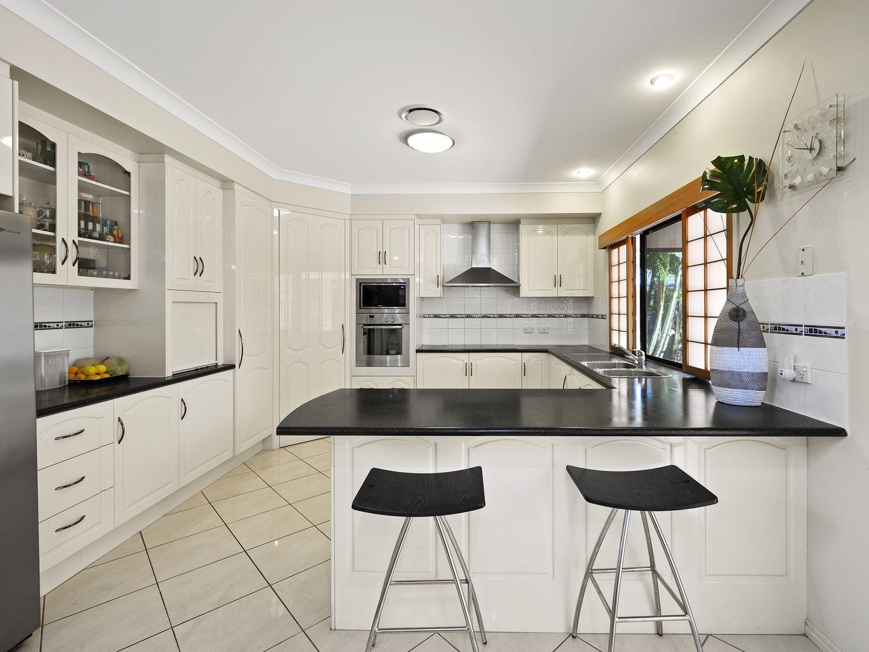 15 Riverside Terrace, Windaroo QLD 4207, Image 2