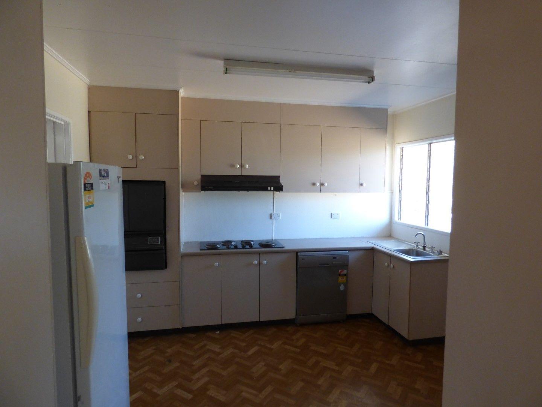 21 Lignum Avenue, Dirranbandi QLD 4486, Image 2
