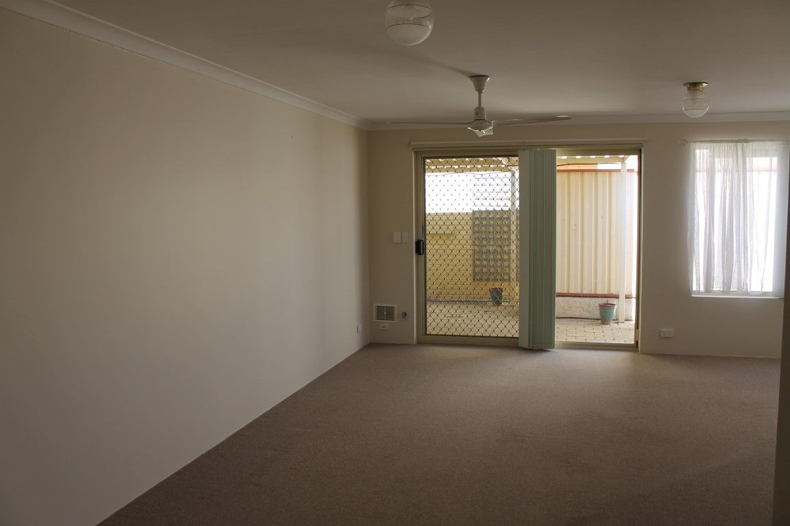 2/16 Inverness Court, Cooloongup WA 6168, Image 2