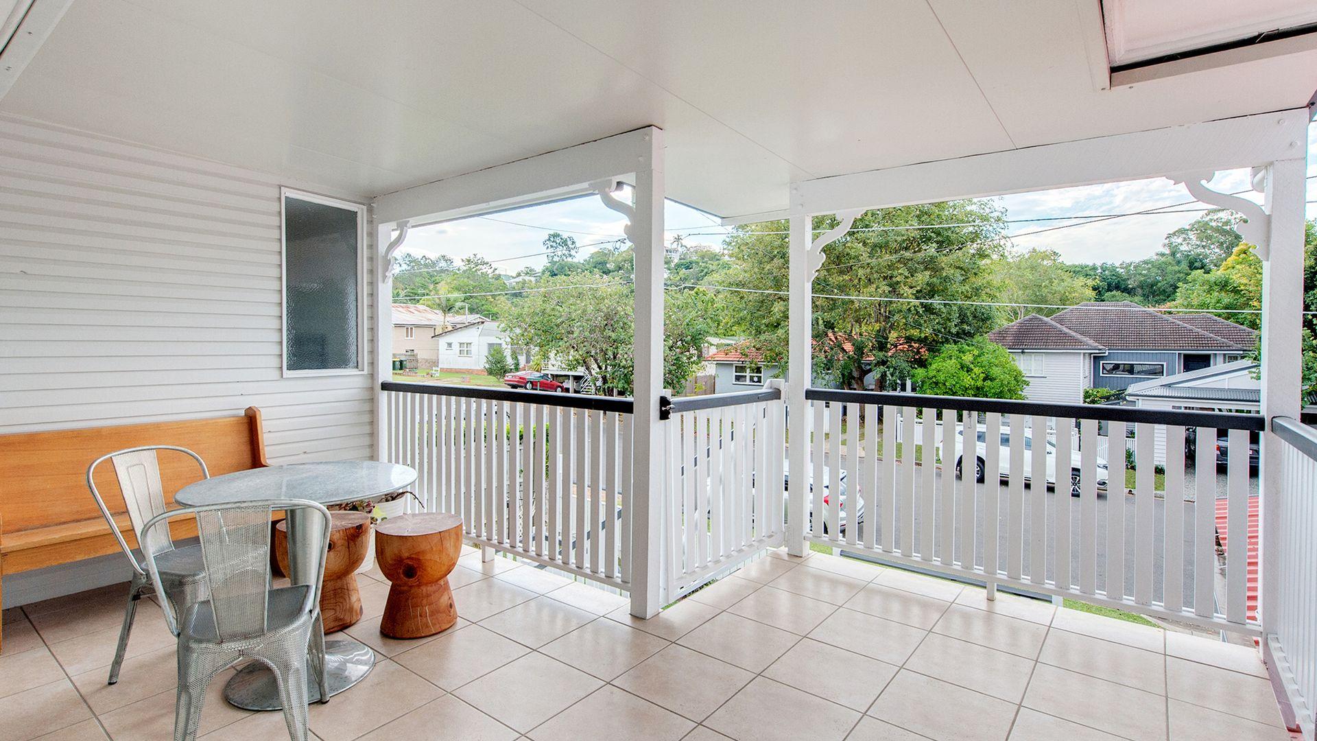 8 Quandong Street, Ashgrove QLD 4060, Image 2