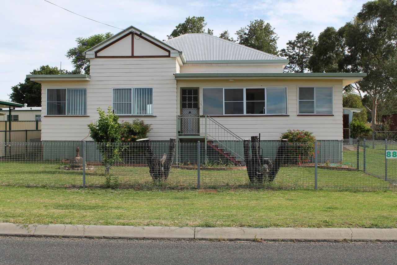 88 Willi Street, Rosenthal Heights QLD 4370, Image 1