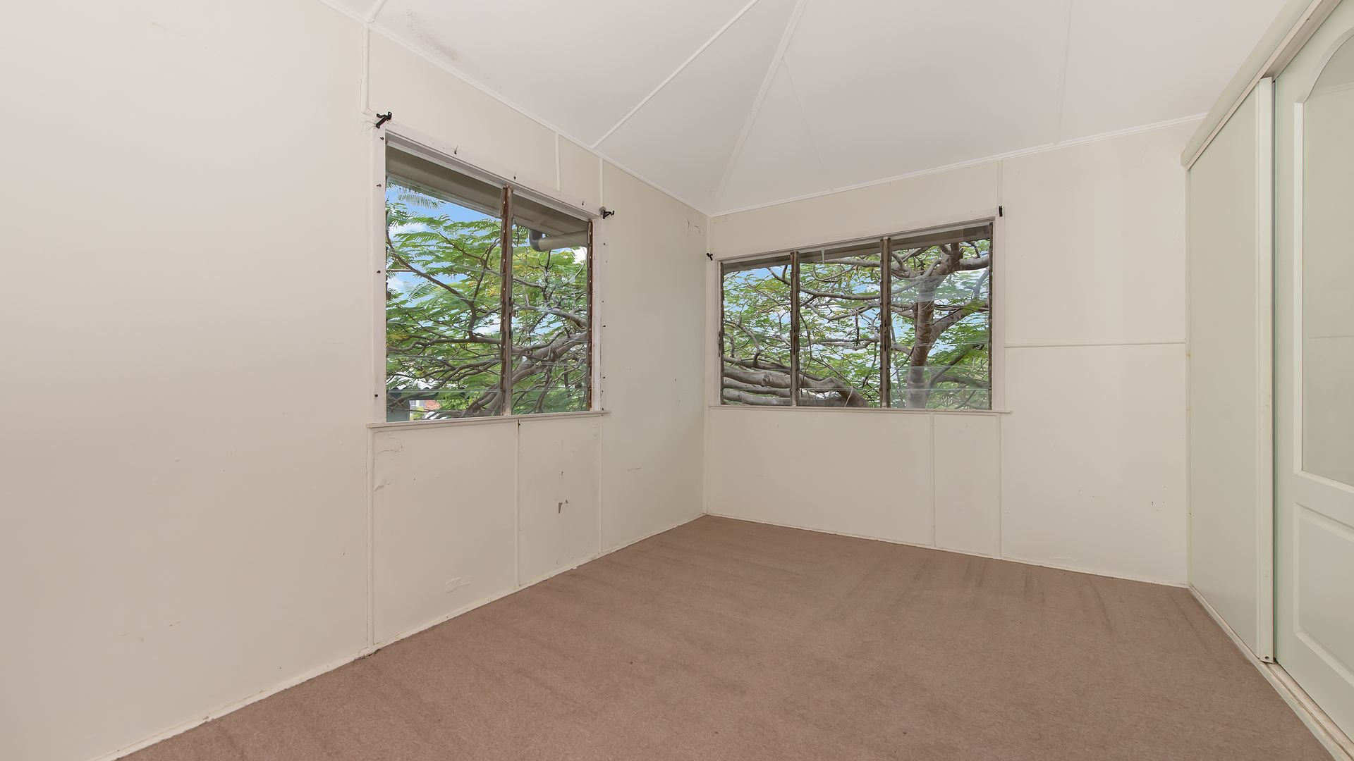 4 Halloran Street, Hermit Park QLD 4812, Image 1