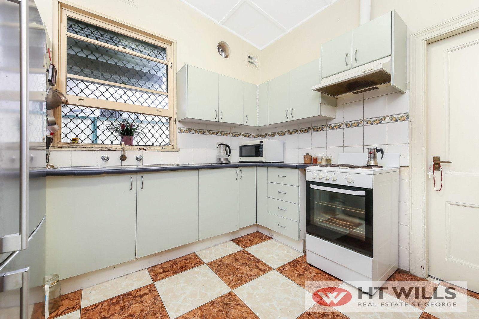 134 Queen Victoria Street, Bexley NSW 2207, Image 2