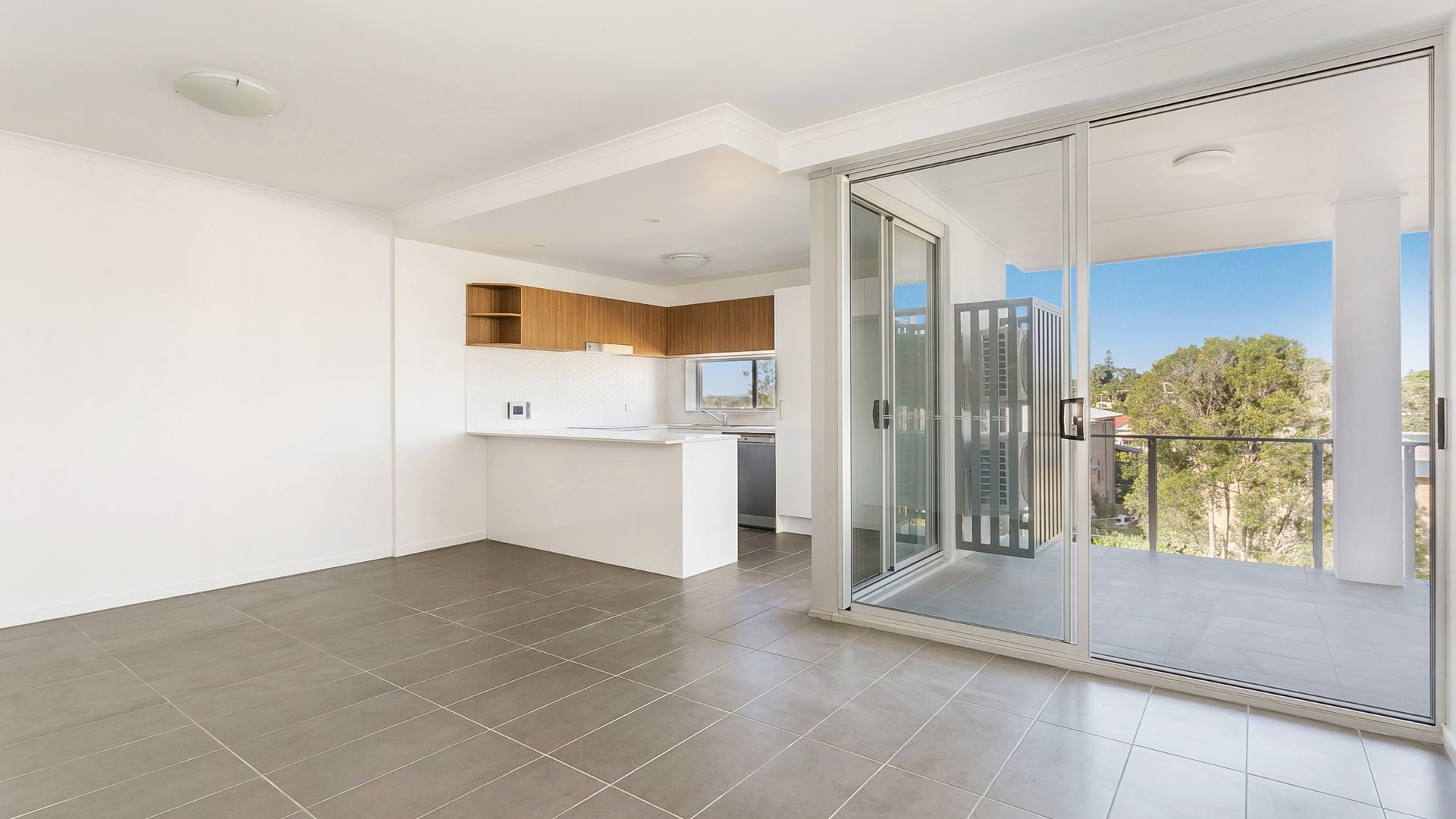 304/60 Hood Street, Sherwood QLD 4075, Image 2