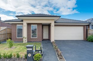 Picture of 8 Kinkora Avenue, Mickleham VIC 3064
