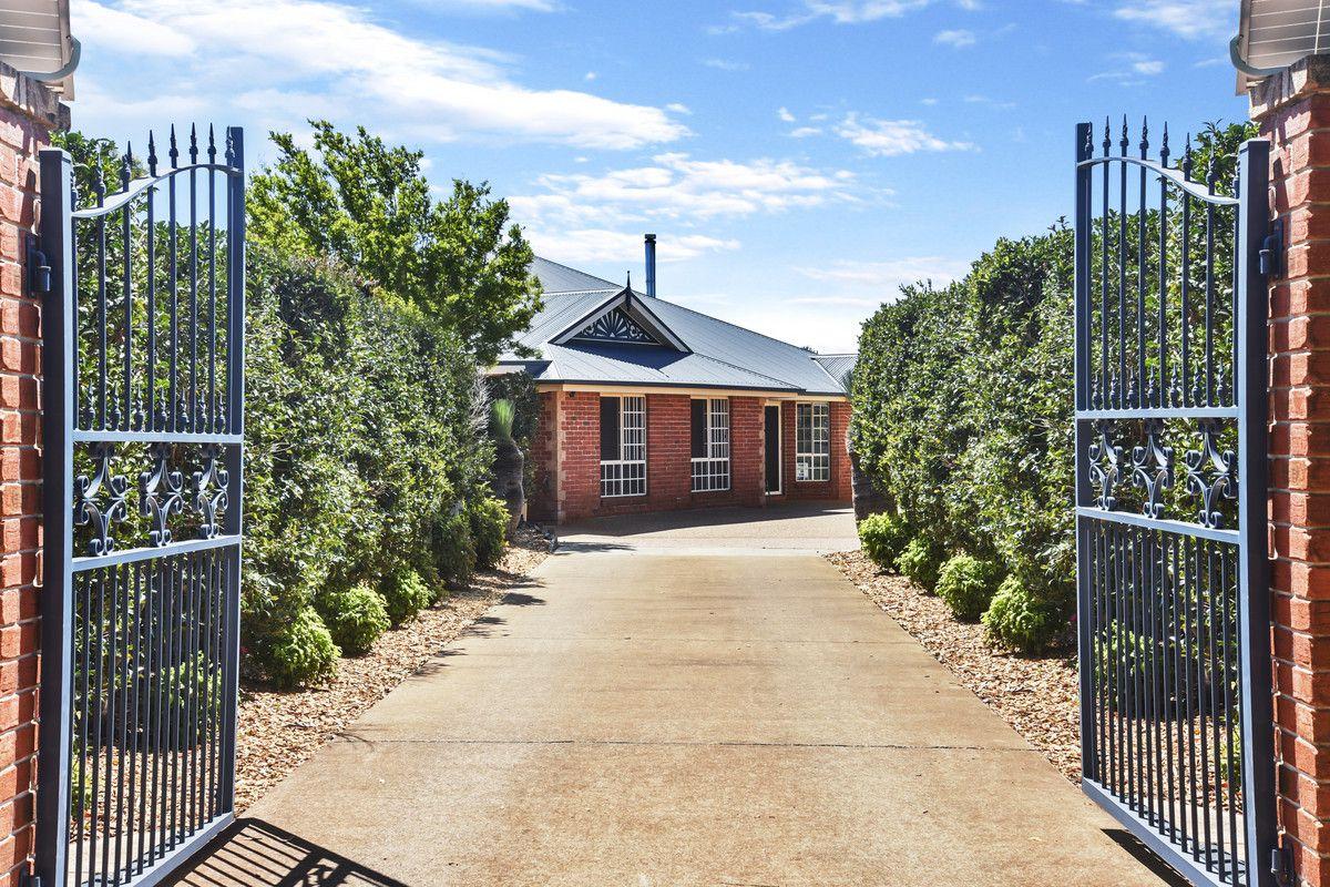 10 Manooka Crescent, Highfields QLD 4352, Image 0