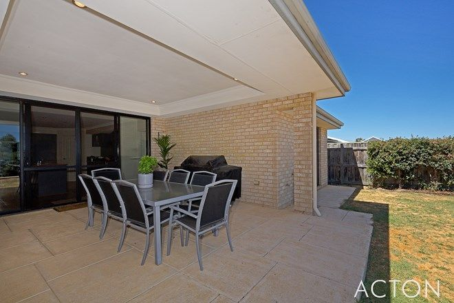Picture of 22 Waratah Circle, HALLS HEAD WA 6210