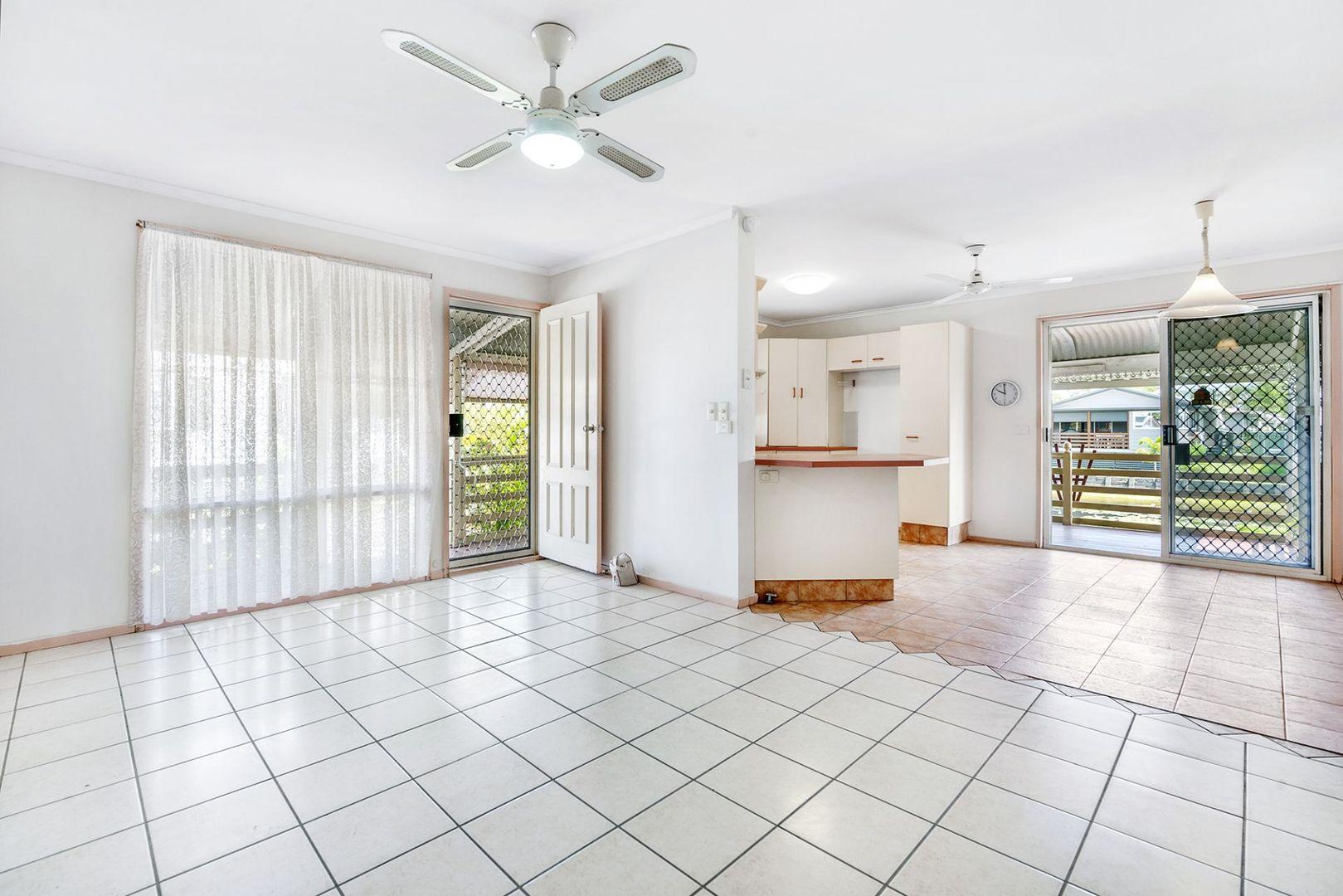 8/368 Oxley Drive, Runaway Bay QLD 4216, Image 2