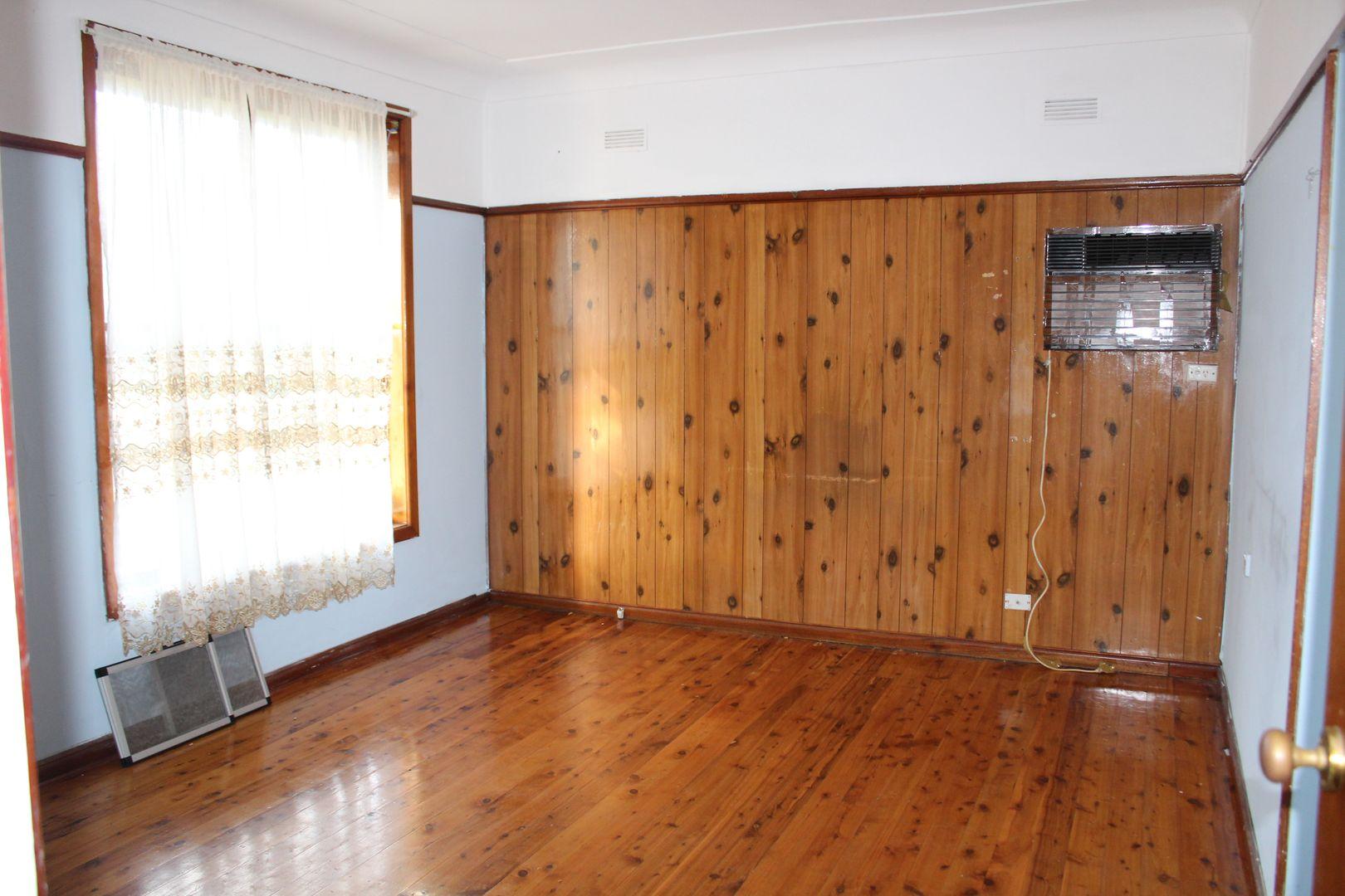 92 JOHNSON AVENUE, Seven Hills NSW 2147, Image 1