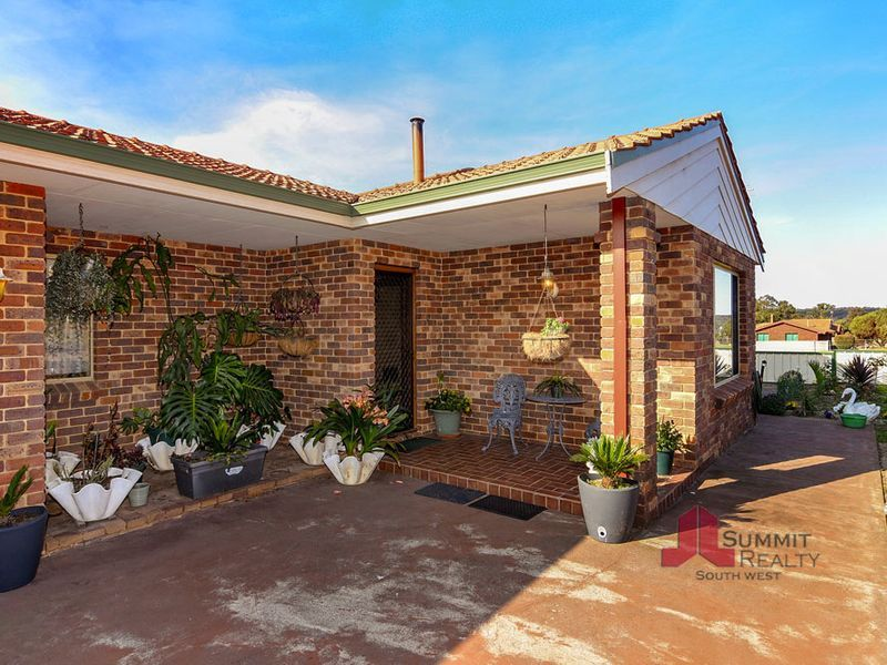 202 Booth Street, Collie WA 6225, Image 2