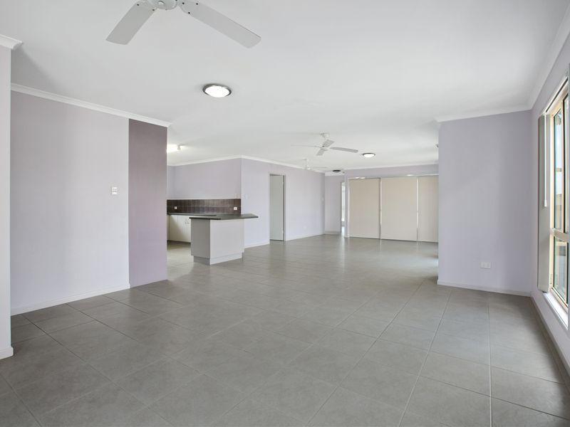 19 DUGONG ST, Tin Can Bay QLD 4580, Image 2