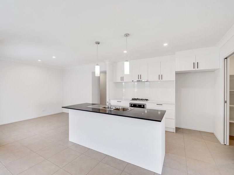 7 Bradleys Street, Ripley QLD 4306, Image 1