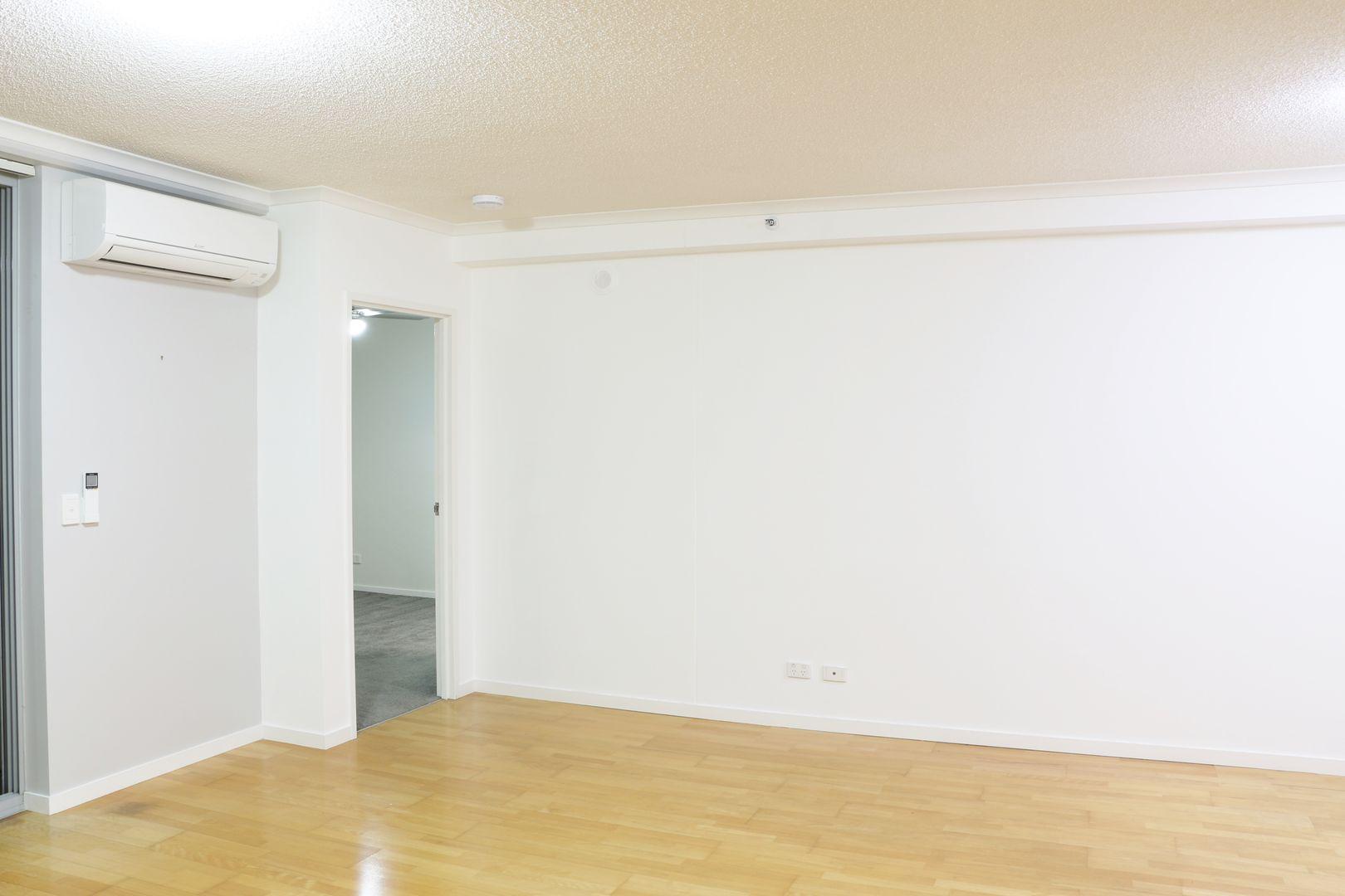 02/100 Bowen Street, Spring Hill QLD 4000, Image 2