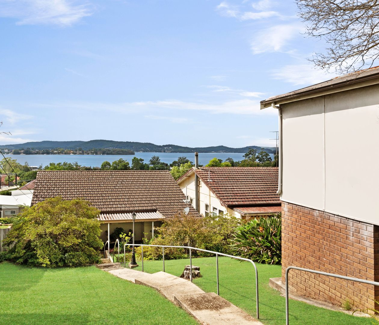 18 Hughes Street, Point Clare NSW 2250, Image 2
