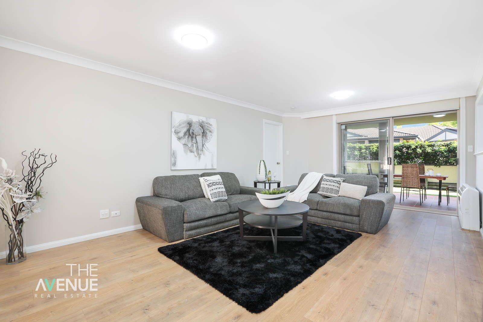 37 Castle Pines  Drive, Baulkham Hills NSW 2153, Image 2