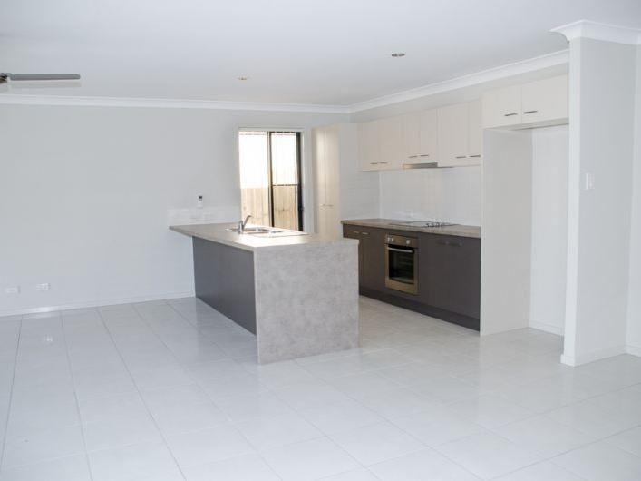 34 Wongabel Close, Waterford QLD 4133, Image 2