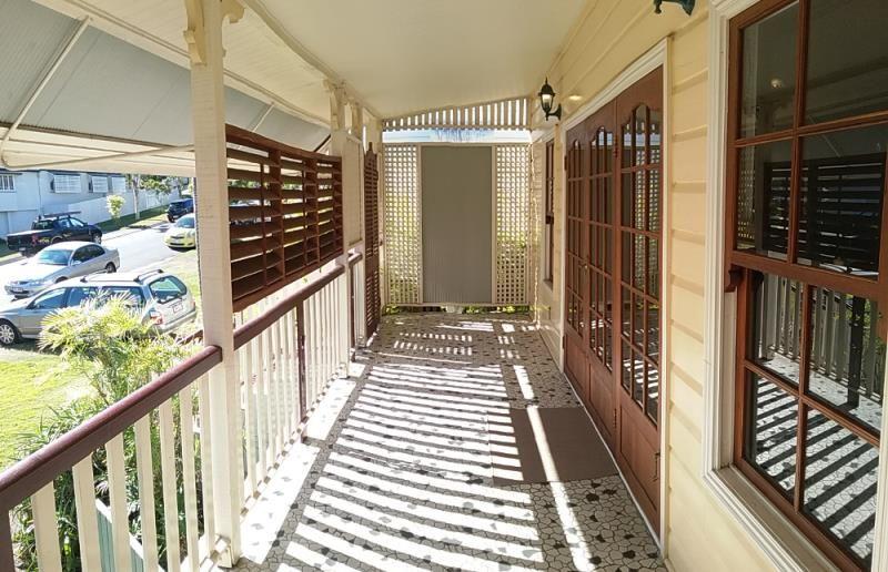 10 Depper Street, Toowong QLD 4066, Image 2