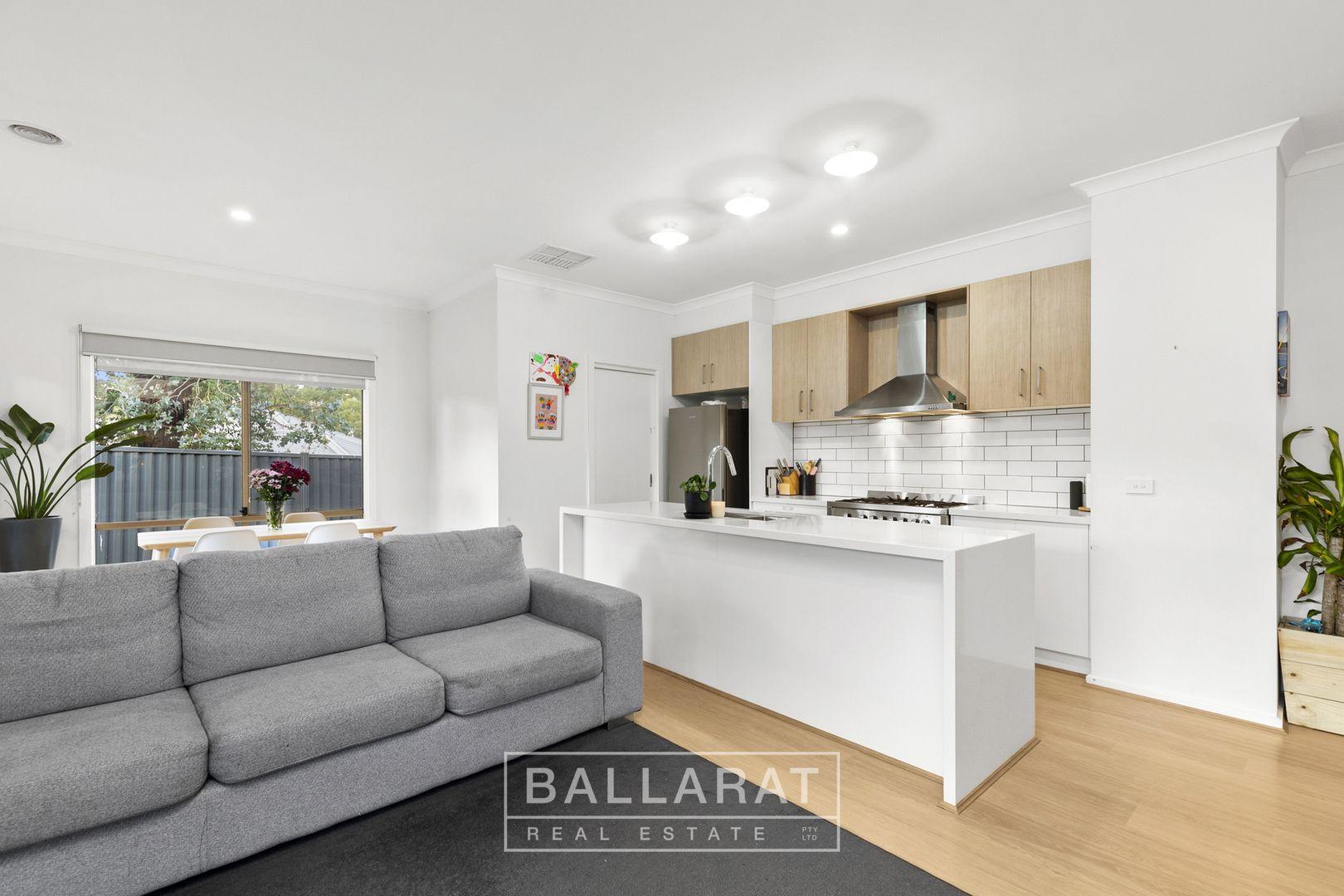 9 Nelmore Court, Ballarat East VIC 3350, Image 2