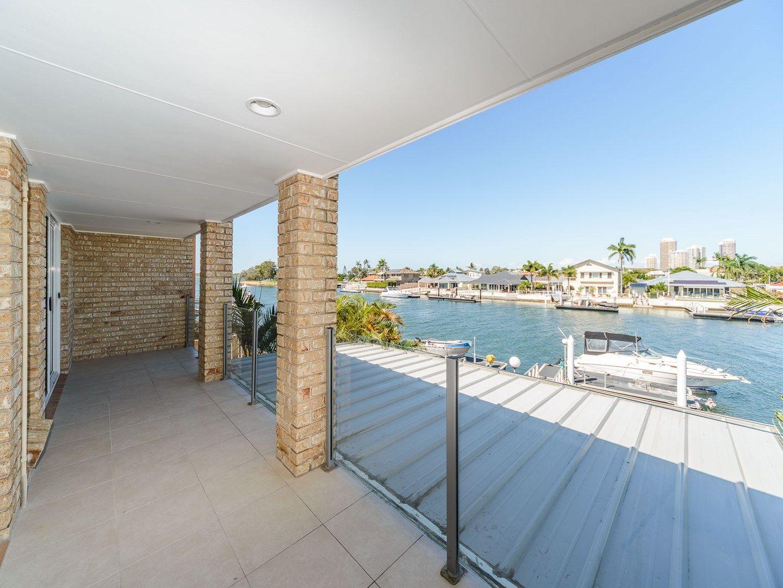 2/8 Markham Avenue, Runaway Bay QLD 4216, Image 2