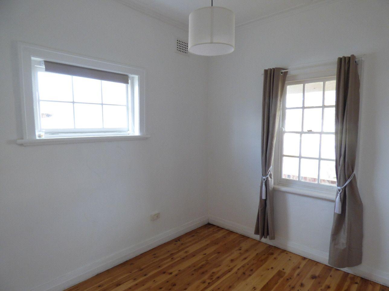 21 Renehan Street, Cootamundra NSW 2590, Image 2