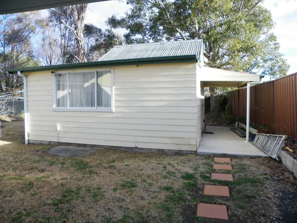 2/6 West Avenue, Armidale NSW 2350, Image 0