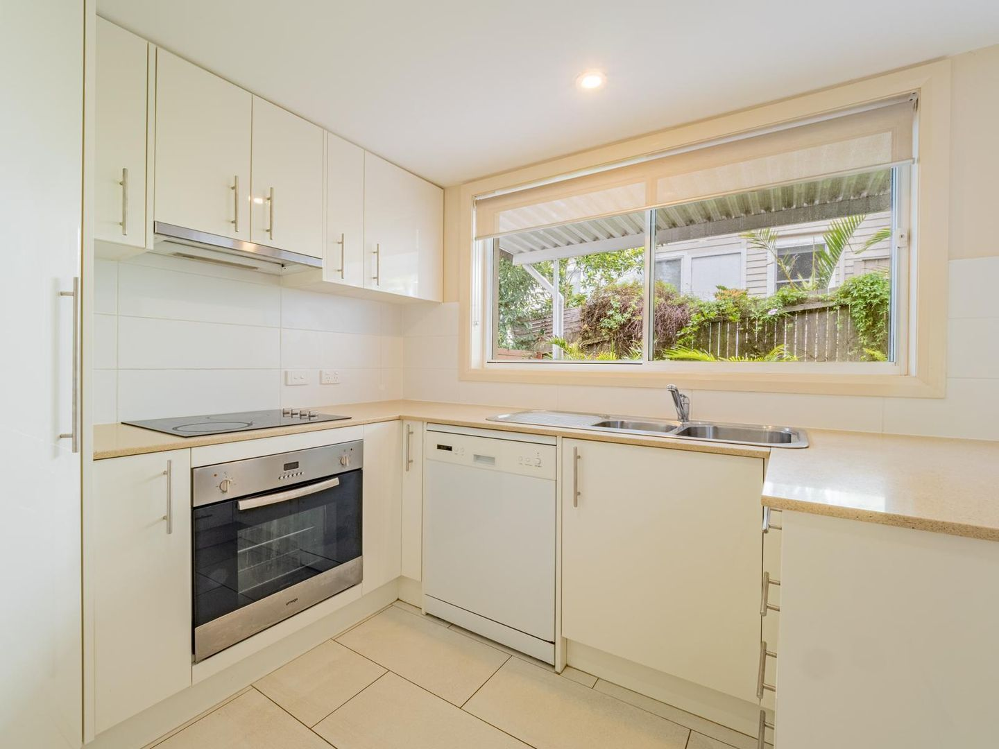 2/129 Pacific Drive, Port Macquarie NSW 2444, Image 2