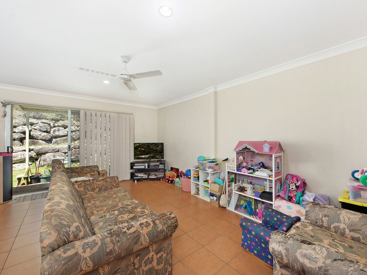 Unit 57/74 Universal Street, Pacific Pines QLD 4211, Image 2