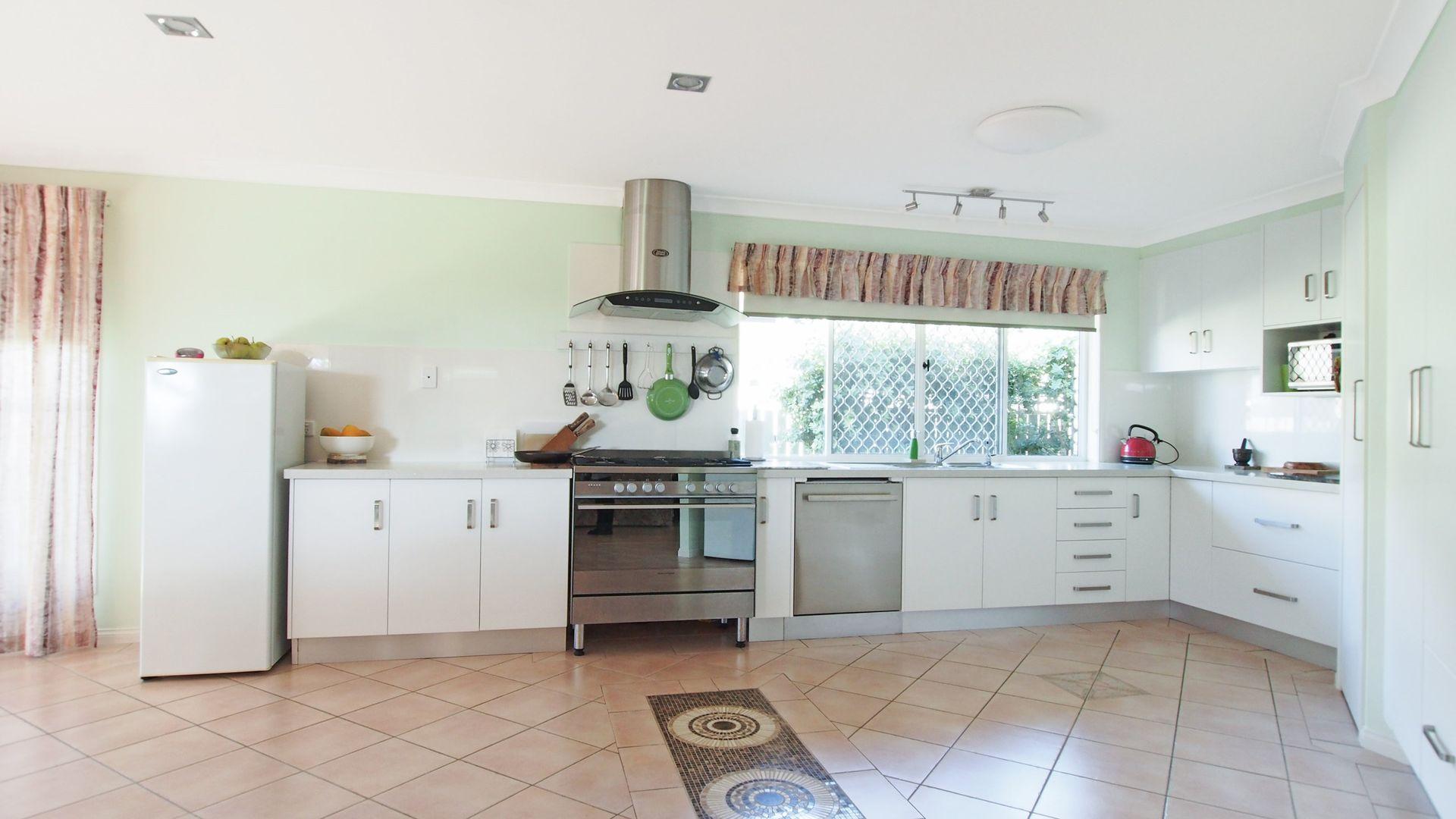 9 Oleander Drive, Bongaree QLD 4507, Image 2