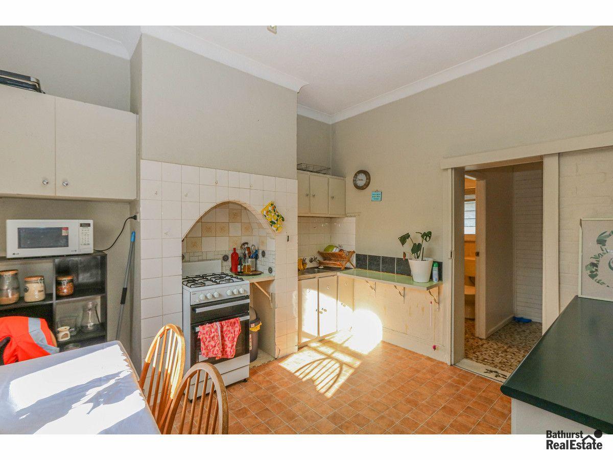 326 Stewart Street, Bathurst NSW 2795, Image 2