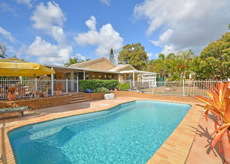 1-3 Hennessy Drive, Dundowran Beach QLD 4655, Image 1