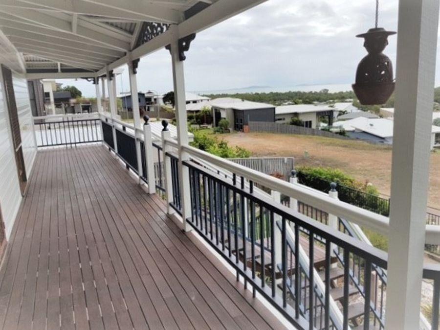 17 Cashell Crescent, Bushland Beach QLD 4818, Image 2