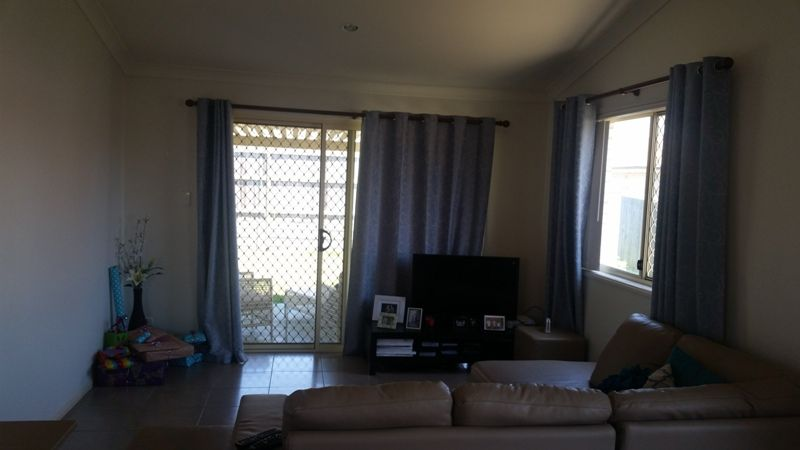17 Charlton Place, Regents Park QLD 4118, Image 1