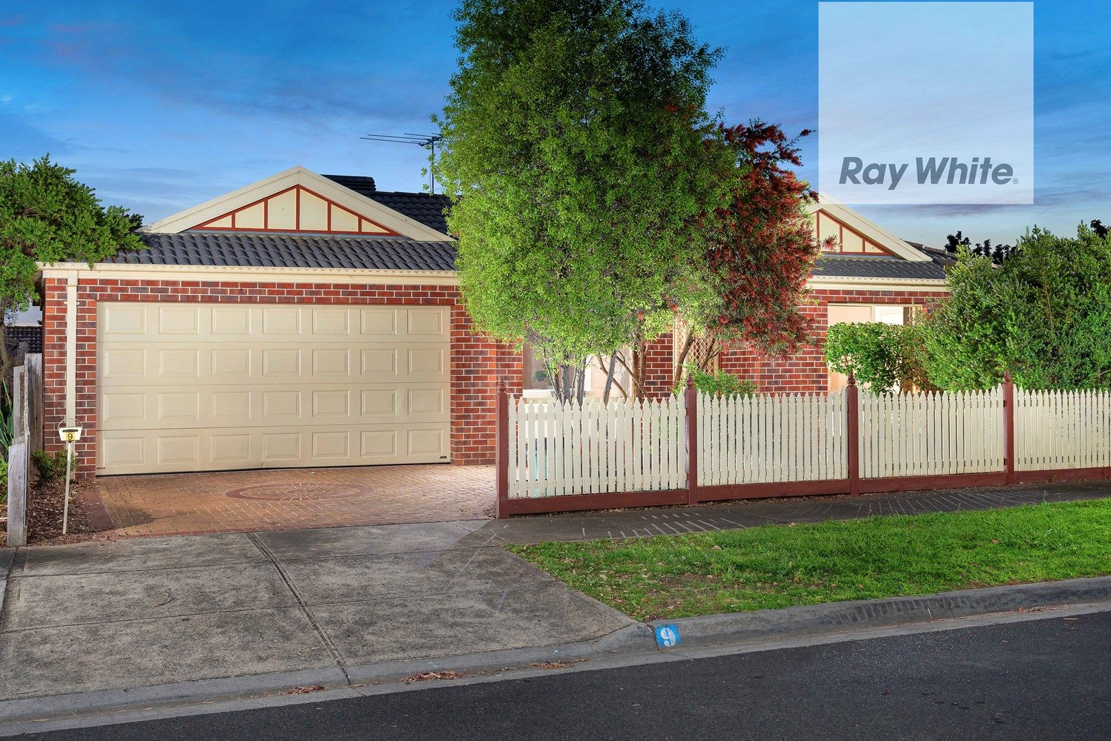 9 Conifer Close, Mill Park VIC 3082, Image 0
