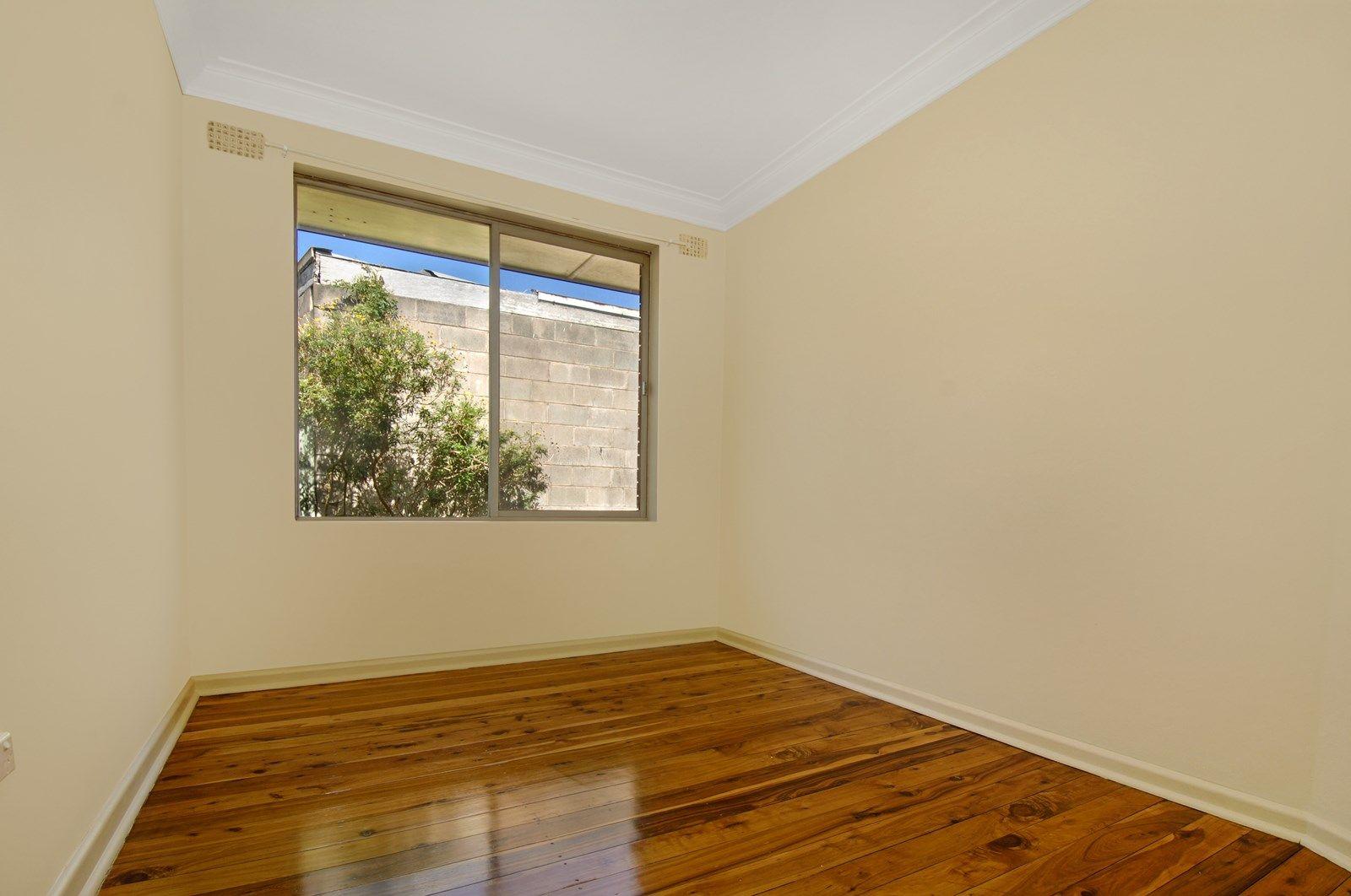 1/116 The  Avenue, Mount Saint Thomas NSW 2500, Image 2