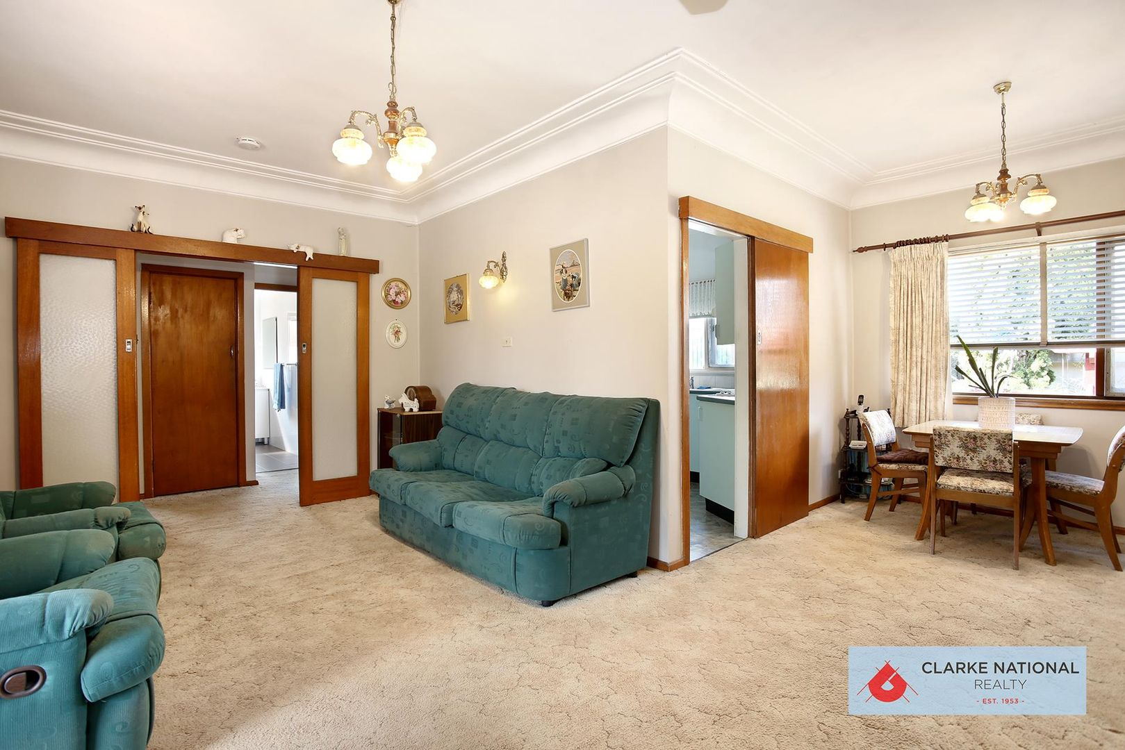 15 Eileen Street, Picnic Point NSW 2213, Image 2