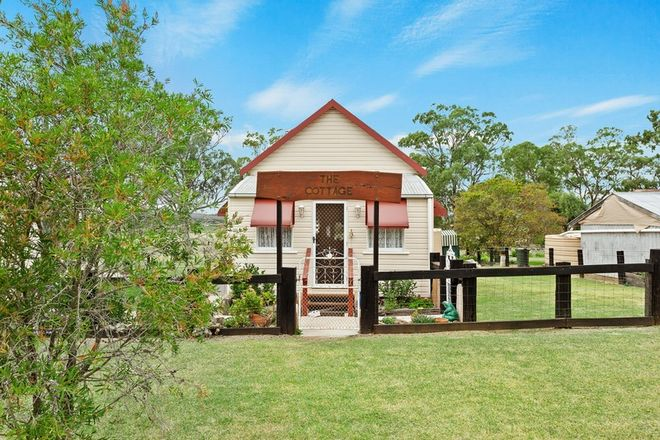 Picture of 104 White Street, PRATTEN QLD 4370