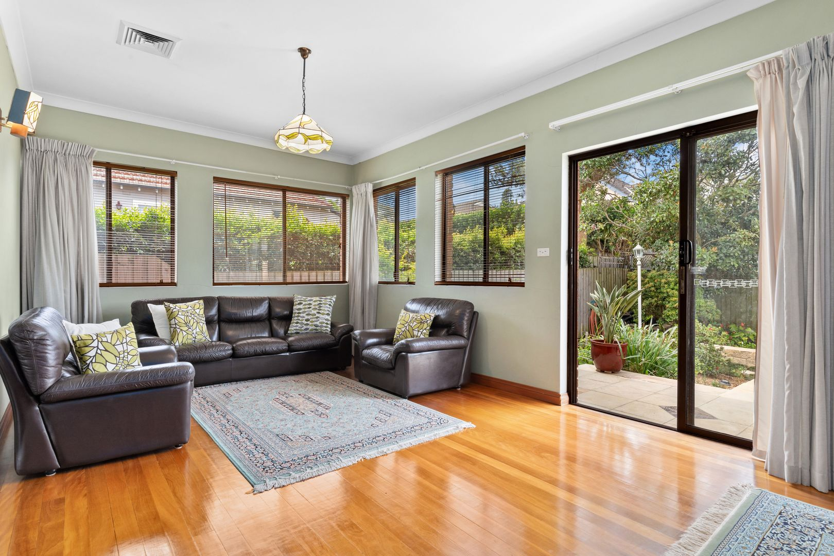 83 Marlborough Road, Willoughby NSW 2068, Image 2