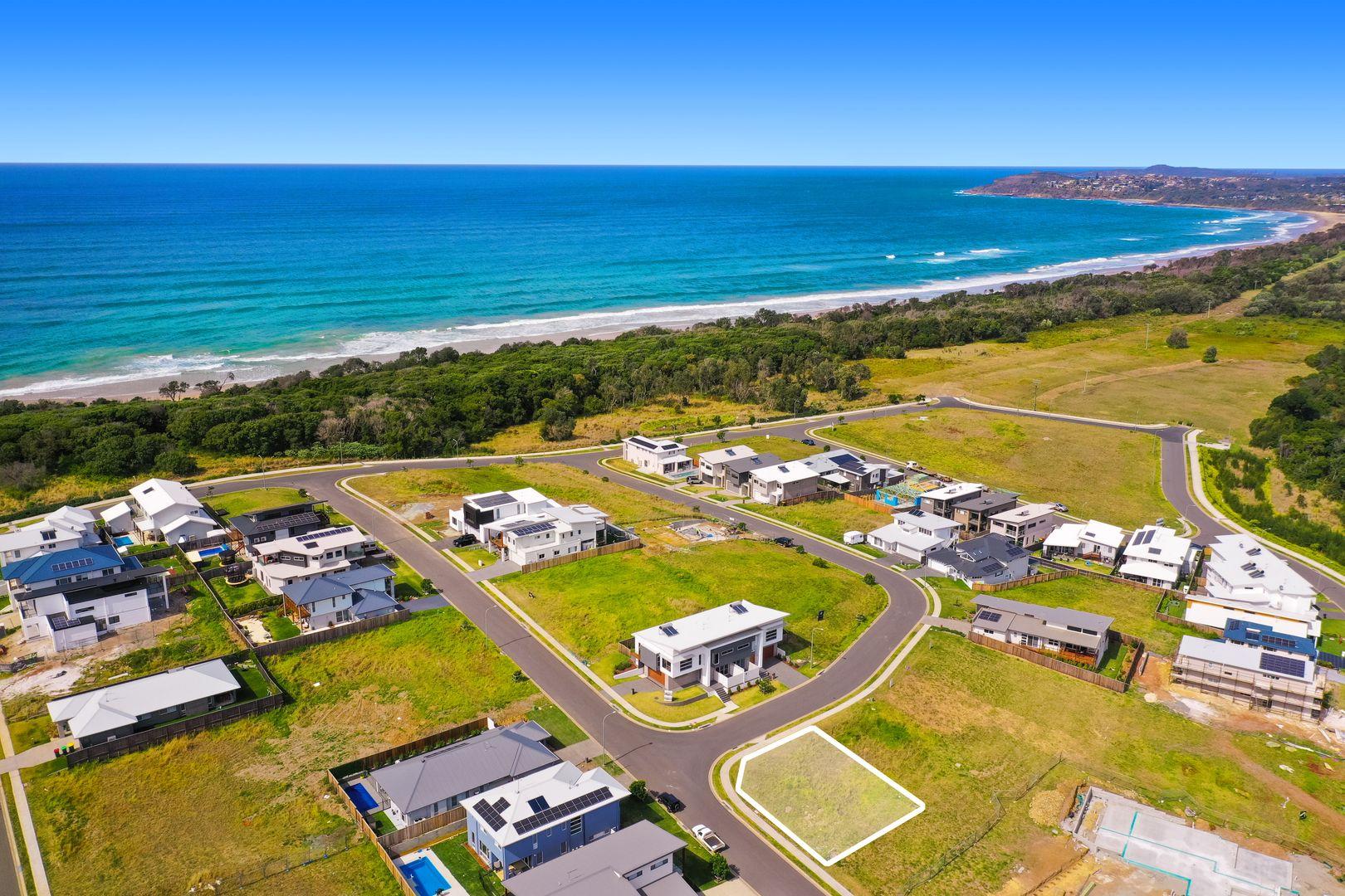 8 Waterside Way, Lake Cathie NSW 2445, Image 1