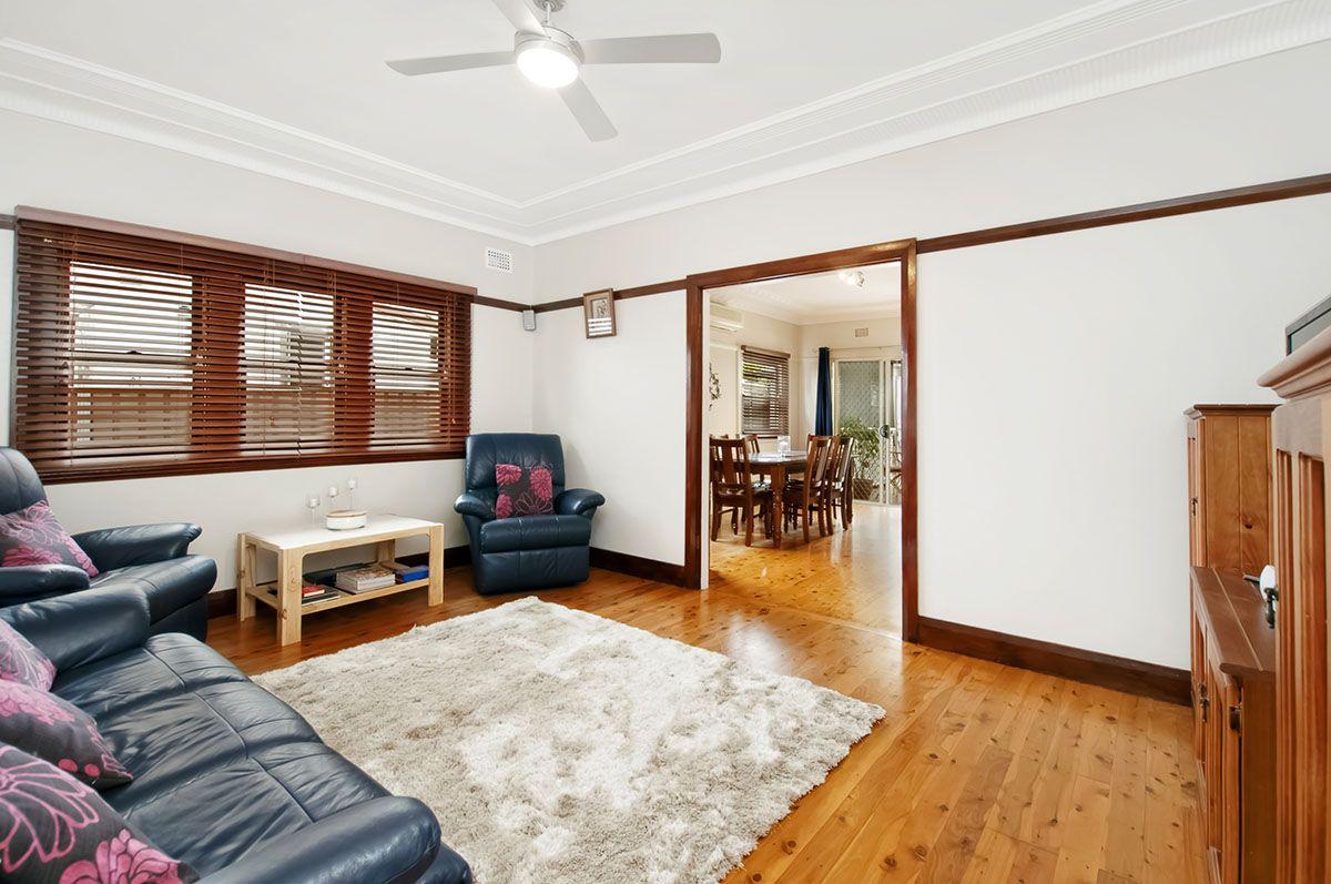 30 Ada Street, Bexley NSW 2207, Image 2