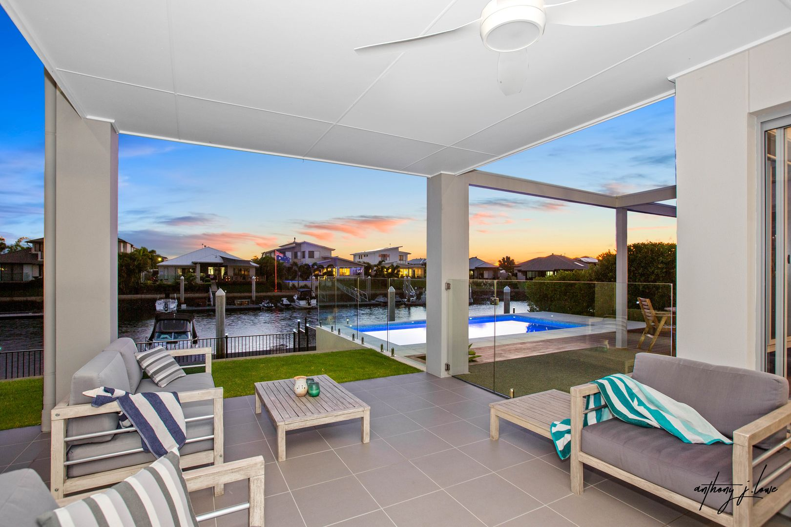 6 Sunset Place, Jacobs Well QLD 4208, Image 2