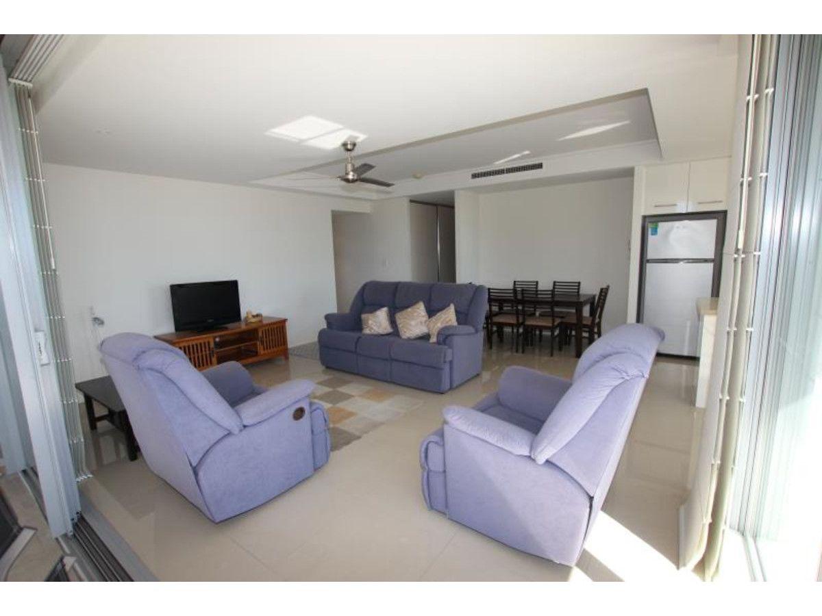 11/12 Breakwater Drive, Rosslyn QLD 4703, Image 2