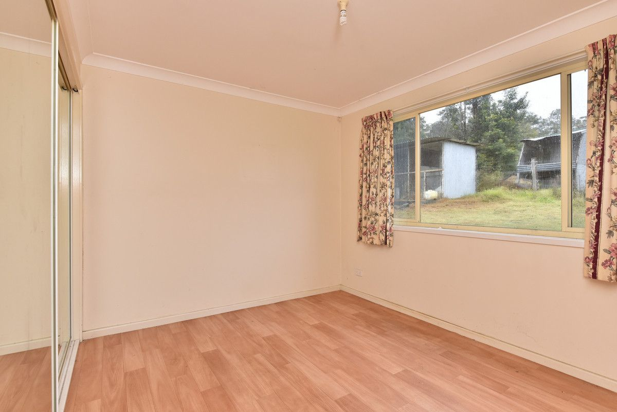 76 Howells Road, Abernethy NSW 2325, Image 2