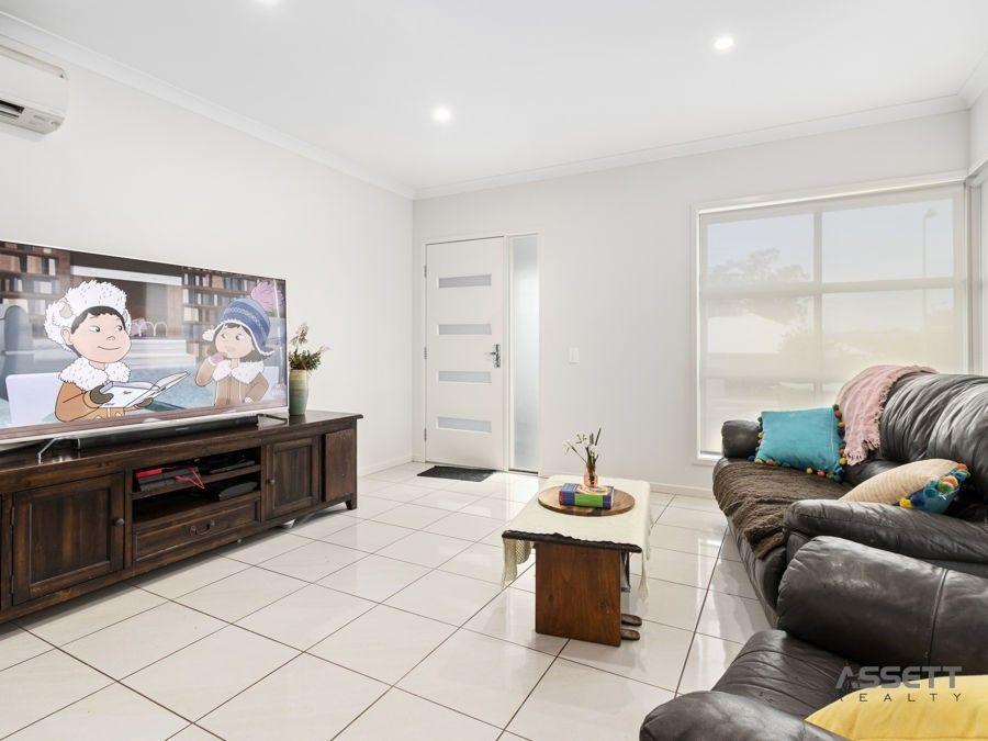 2 Ribbonwood Street Ripley, Ripley QLD 4306, Image 2