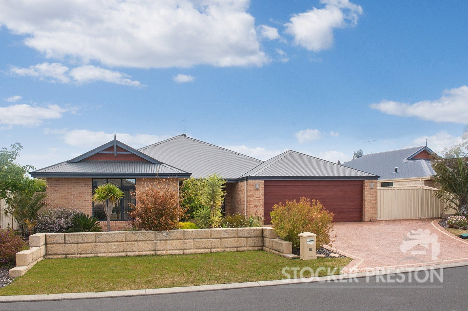 18 Royal Oaks Crescent, Dunsborough WA 6281, Image 0