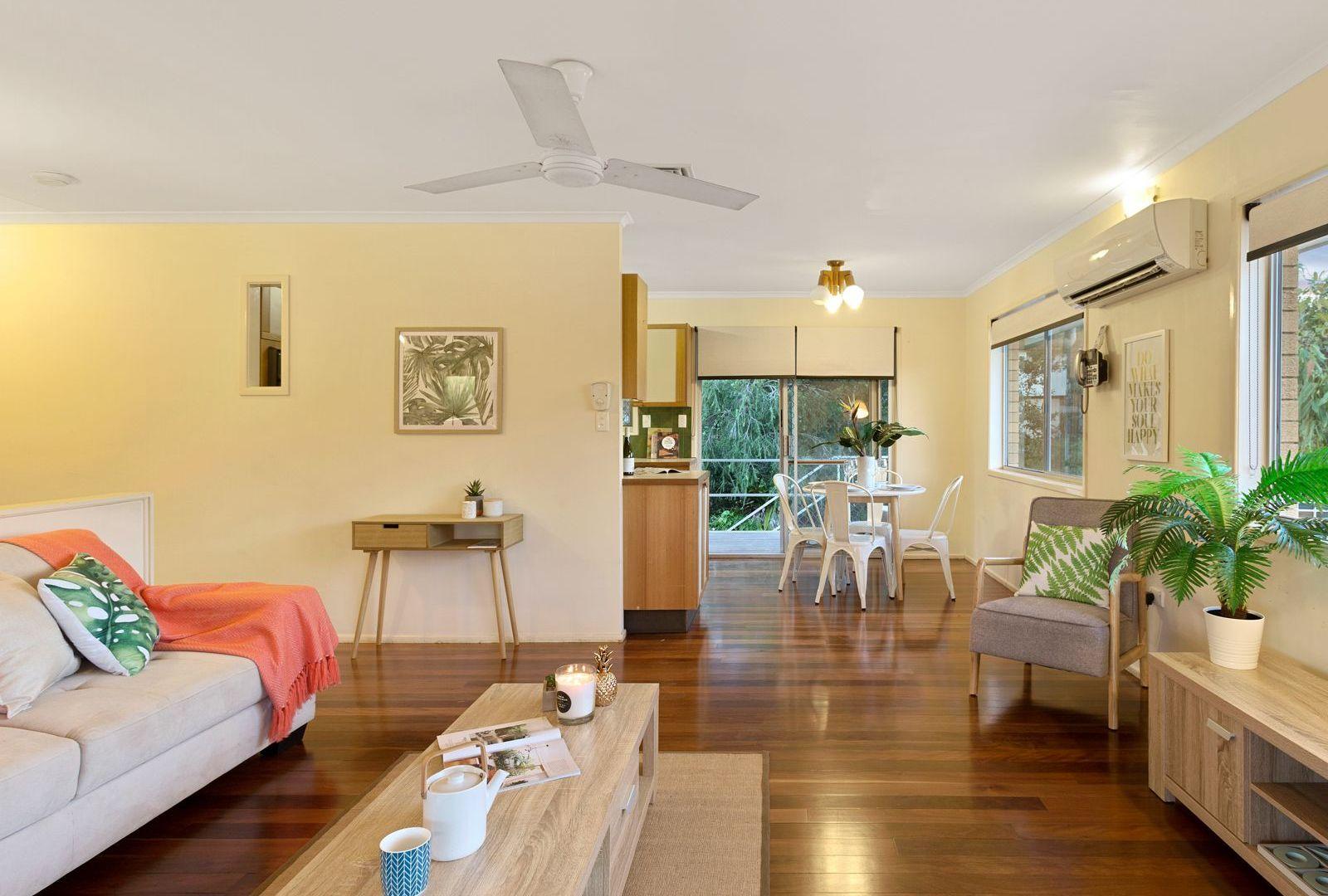 4 Samantha Court, Ferny Hills QLD 4055, Image 2