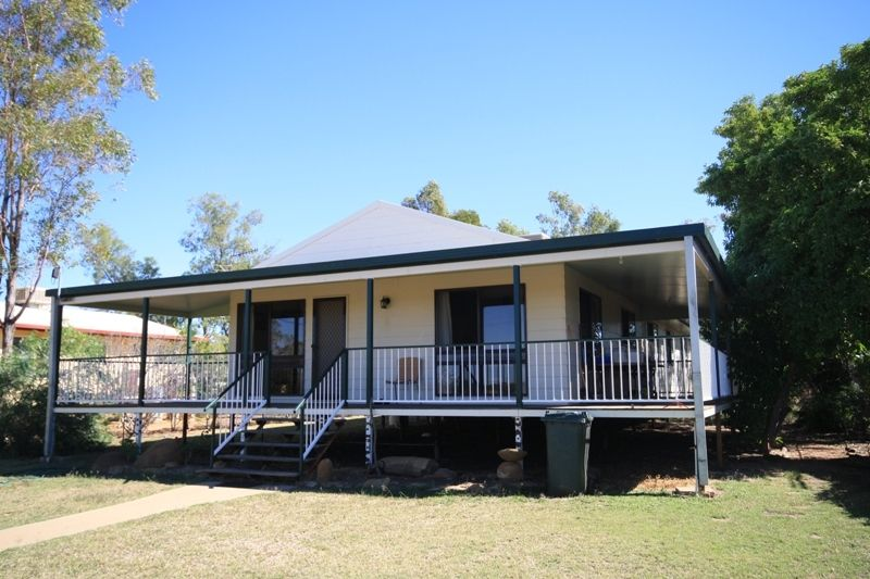 137 Falcon Street, Longreach QLD 4730, Image 0