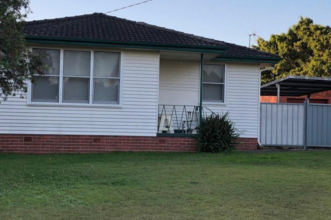 Picture of 5 Gwenneth Avenue, TAREE NSW 2430