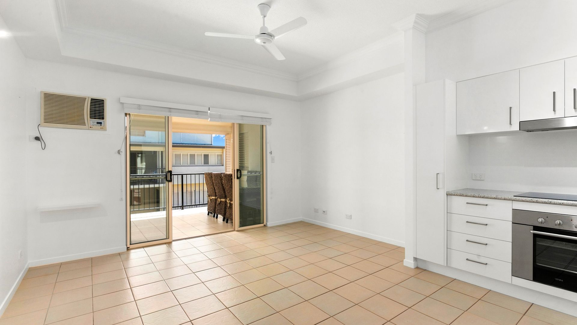 218/53-57 Clifton Road, Clifton Beach QLD 4879, Image 2