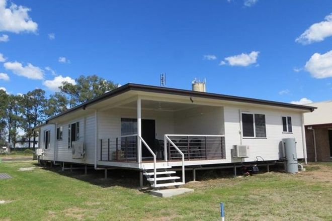 Picture of 21 Daisy Street, MILES QLD 4415
