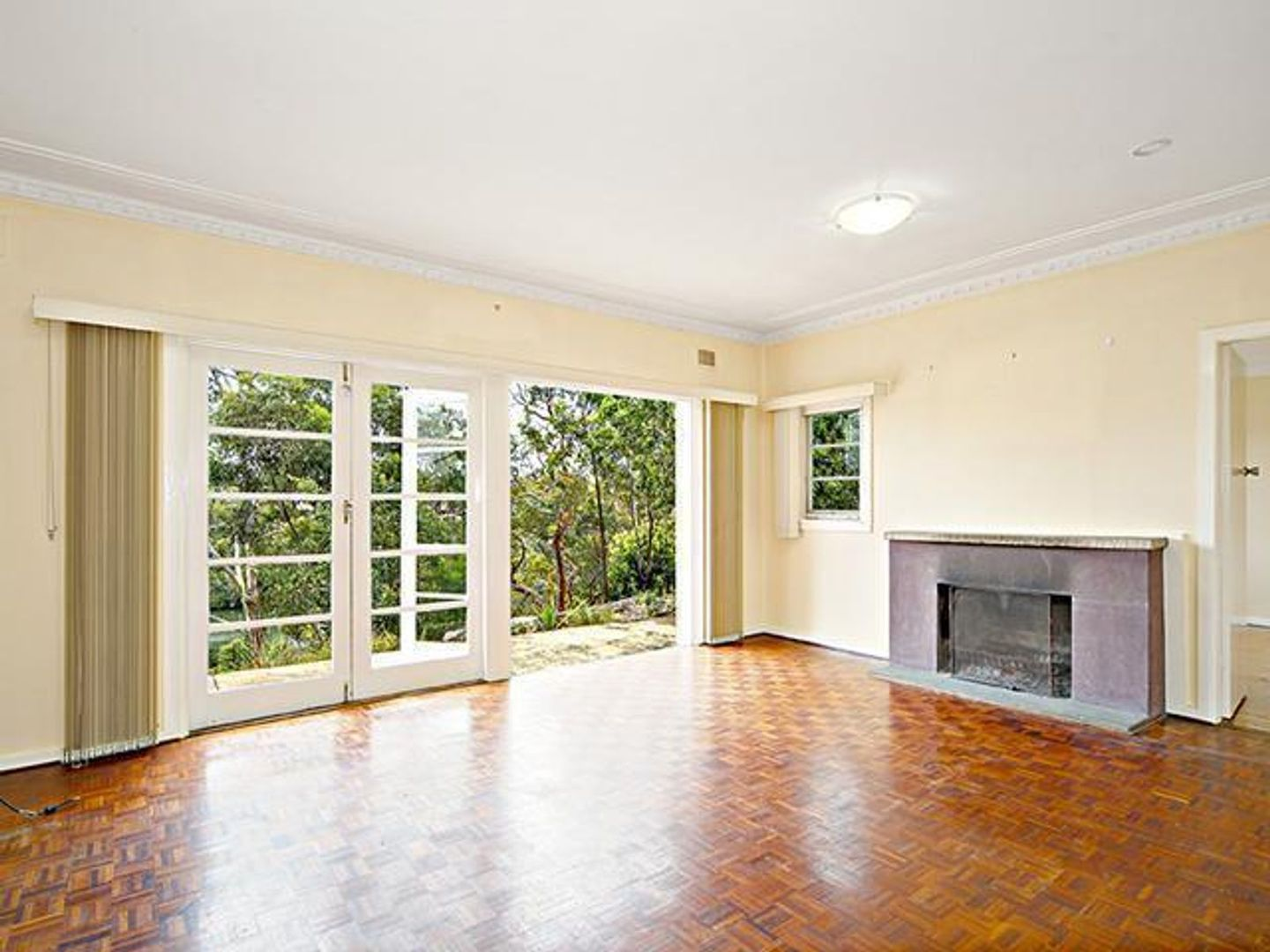864 Henry Lawson Drive, Picnic Point NSW 2213, Image 2